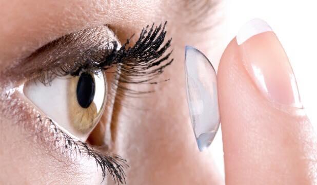 apicare lentile de contact